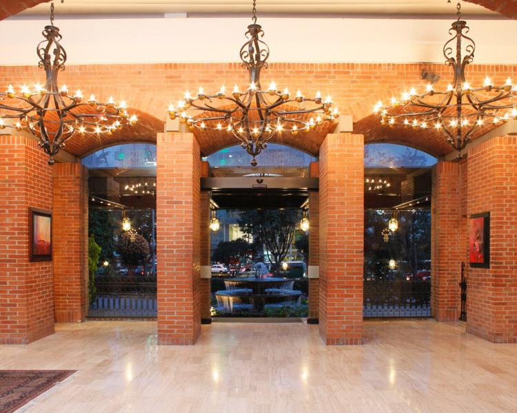 Lobby Hotel ESTELAR La Fontana Bogotá